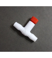 Соединитель пластиковый  10  мм с краном